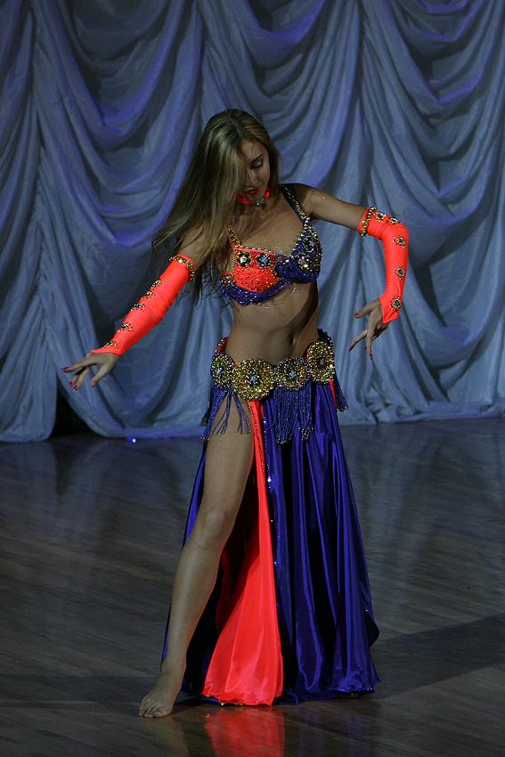 Вы просматриваете изображения у материала: Камелия, танцевальный ансамбль