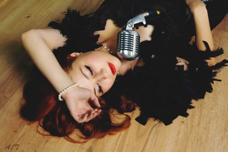 Вы просматриваете изображения у материала: Фотосессия В джазе только девушки, фотограф Тома Аликова